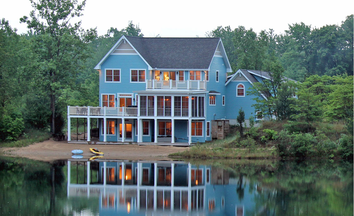 Lakefront homes sites menu near south haven mi for Lake house builders